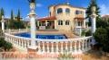 Ocasion villa de lujo con garaje y piscina y amueblada